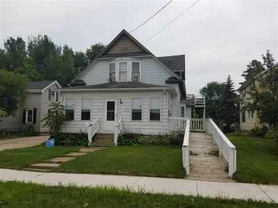 Neenah Multi Family Home Active-No Offer: 327 E Franklin