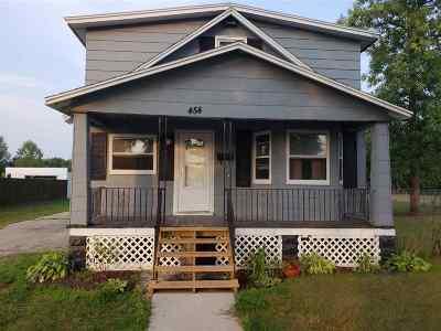 Peshtigo Single Family Home Active-Offer No Bump: 454 E Front