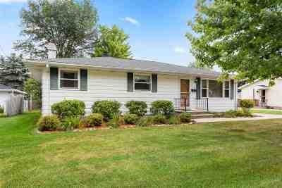 Neenah Single Family Home Active-Offer No Bump: 1118 Honeysuckle