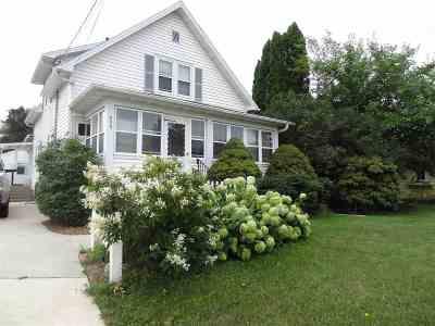 Neenah Single Family Home Active-Offer No Bump: 525 Washington