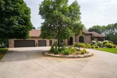 Oshkosh Single Family Home Active-No Offer: 4490 Stonewood