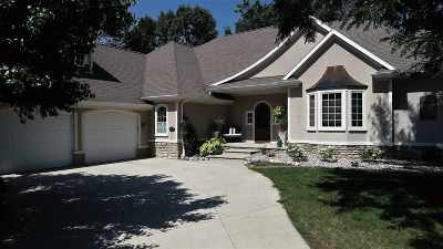Neenah Single Family Home Active-Offer No Bump: 1828 Deer Crossing