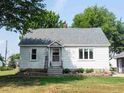 Oconto Single Family Home Active-No Offer: 313 5th