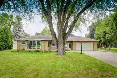 Neenah Single Family Home Active-Offer No Bump: 1208 Burnette
