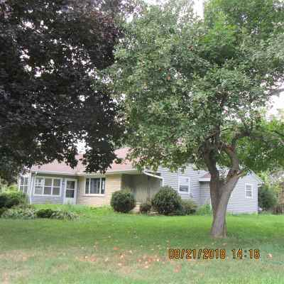 Pulaski WI Single Family Home Active-No Offer: $111,700