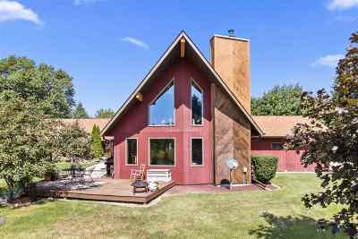 Neenah Single Family Home Active-Offer No Bump: 6749 Woodenshoe