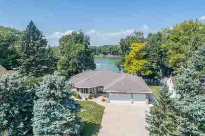 Menasha Single Family Home Active-No Offer: 1800 Lakeshore