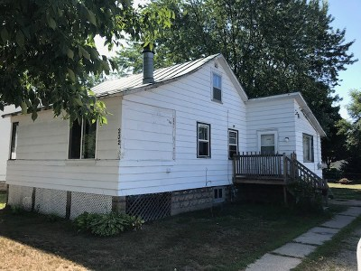 Oconto Single Family Home Active-No Offer: 232 Center