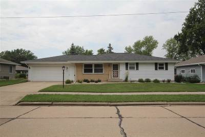 Kaukauna Single Family Home Active-Offer No Bump: 1409 Sullivan