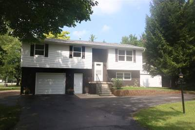 Howard, Suamico Single Family Home Active-No Offer: 1540 Woodsdale