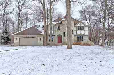 Neenah Single Family Home Active-No Offer: 1084 Timber Run