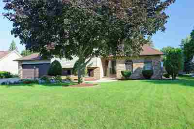 Appleton Single Family Home Active-No Offer: 4624 W Grand Meadows