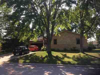 Neenah Single Family Home Active-Offer No Bump: 1365 Pinehurst