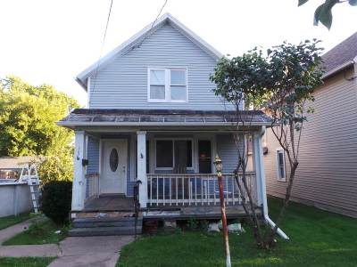 Kaukauna Single Family Home Active-No Offer: 307 W 11th