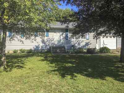 Oconto Single Family Home Active-No Offer: 720 Farnsworth