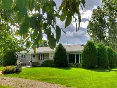 Pulaski WI Single Family Home Active-Offer No Bump: $224,900