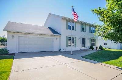 De Pere Single Family Home Active-Offer No Bump: 1365 Castle Rock