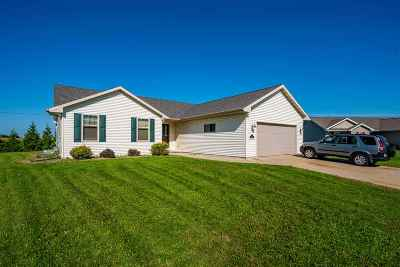 Winneconne Single Family Home Active-Offer No Bump: 1151 Barbary
