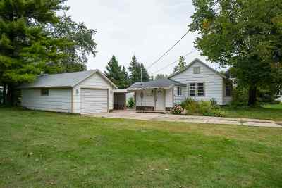Seymour WI Single Family Home Active-Offer No Bump: $69,900