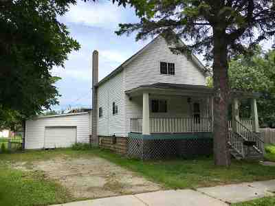 Marinette Single Family Home Active-Offer No Bump: 408 Carney