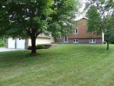 Seymour Single Family Home Active-Offer No Bump: N5210 Whitetail
