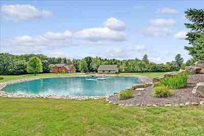De Pere Single Family Home Active-No Offer: 2037 Green Acres
