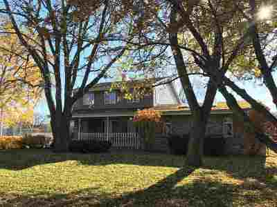 Neenah Single Family Home Active-No Offer: 1414 Hwy Jj
