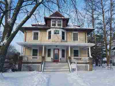 Waupaca Single Family Home Active-No Offer: 706 S Main
