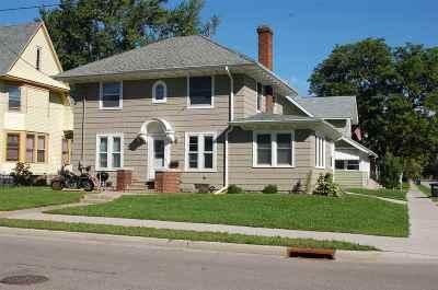 Oshkosh Single Family Home Active-No Offer: 120 Merritt