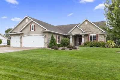 Neenah Single Family Home Active-Offer No Bump: 1500 Woods Edge