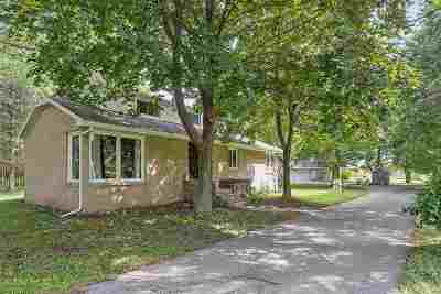 Howard, Suamico Single Family Home Active-No Offer: 4132 Bayside