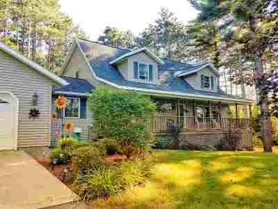 Waupaca Single Family Home Active-Offer W/Bump: E748 Berkshire