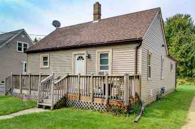 Menasha Single Family Home Active-Offer No Bump: 824 Appleton