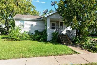 Neenah Single Family Home Active-No Offer: 127 Tyler