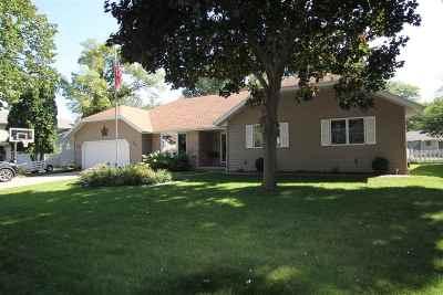 Menasha Single Family Home Active-Offer No Bump: 1225 Beechwood