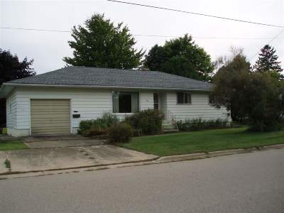 Oconto Single Family Home Active-Offer No Bump: 416 Baldwin