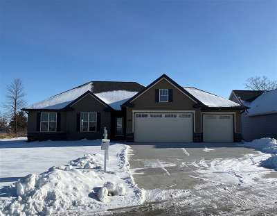 Green Bay Single Family Home Active-No Offer: 1849 Meadowland