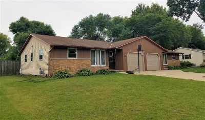 Green Bay Multi Family Home Active-No Offer: 3009 Holland