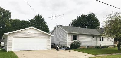 Menasha Single Family Home Active-Offer No Bump: 624 6th