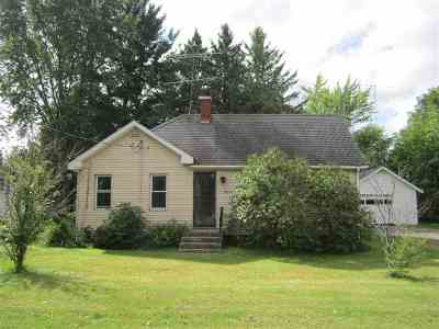 Shawano Single Family Home Active-No Offer: 1020 E Lieg