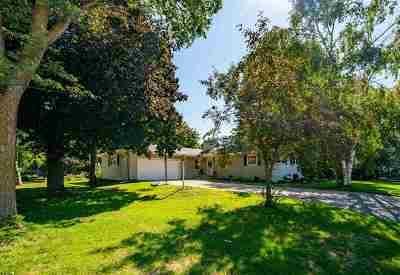 Neenah Single Family Home Active-Offer No Bump: 1470 S Park