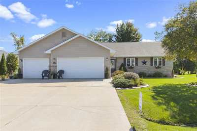 Winneconne Single Family Home Active-Offer No Bump: 9513 Laura