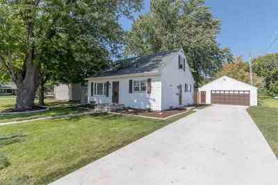 Neenah Single Family Home Active-Offer No Bump: 139 Byrd