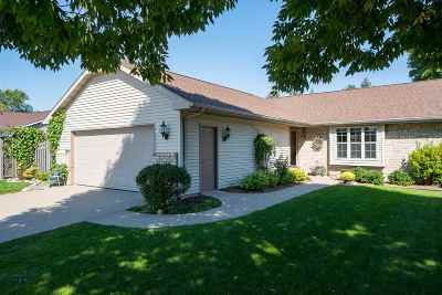 Menasha Single Family Home Active-Offer No Bump: 2320 Sugarbridge