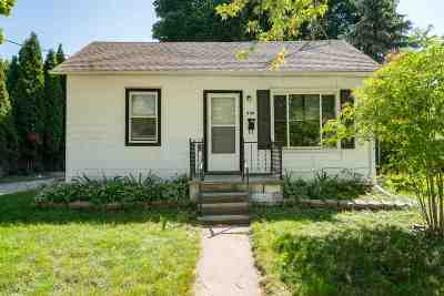 Kaukauna Single Family Home Active-No Offer: 808 Blackwell