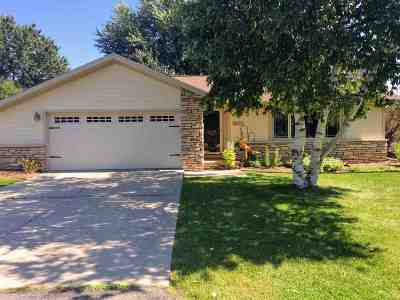 Neenah Single Family Home Active-Offer No Bump: 1933 Shady Springs