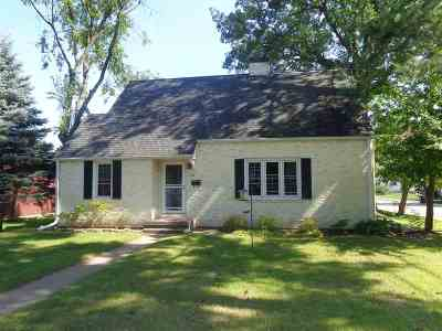 Shawano Single Family Home Active-No Offer: 148 S Bartlett