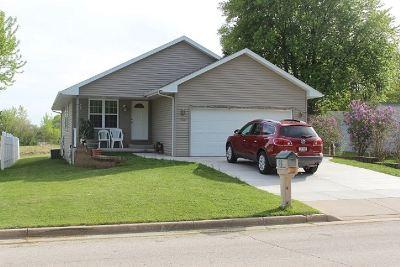Green Bay Single Family Home Active-Offer No Bump: 1506 Boyd