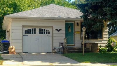 Appleton Single Family Home Active-No Offer: 1910 N Oneida