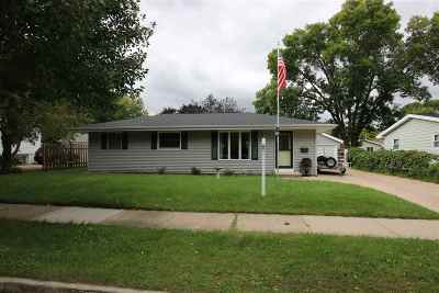 Oshkosh Single Family Home Active-No Offer: 1015 Windsor